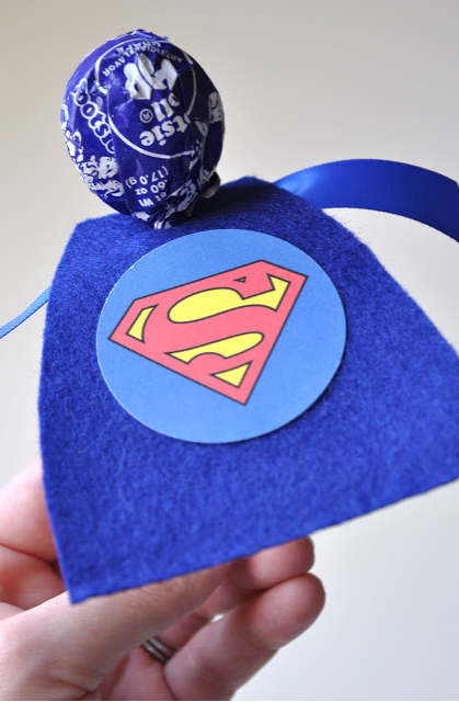 superheroes-cape-lollipop