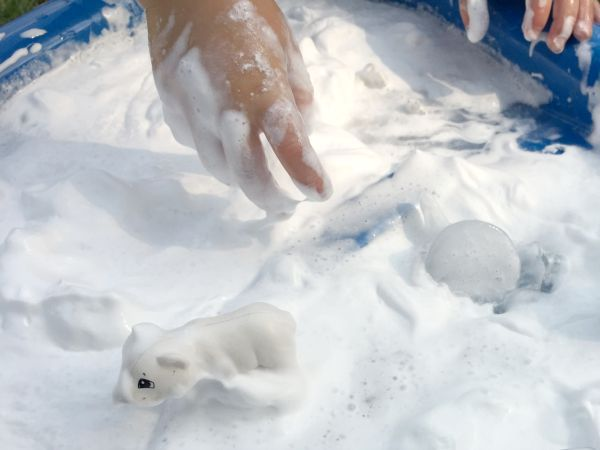 polar-bear-play-idea
