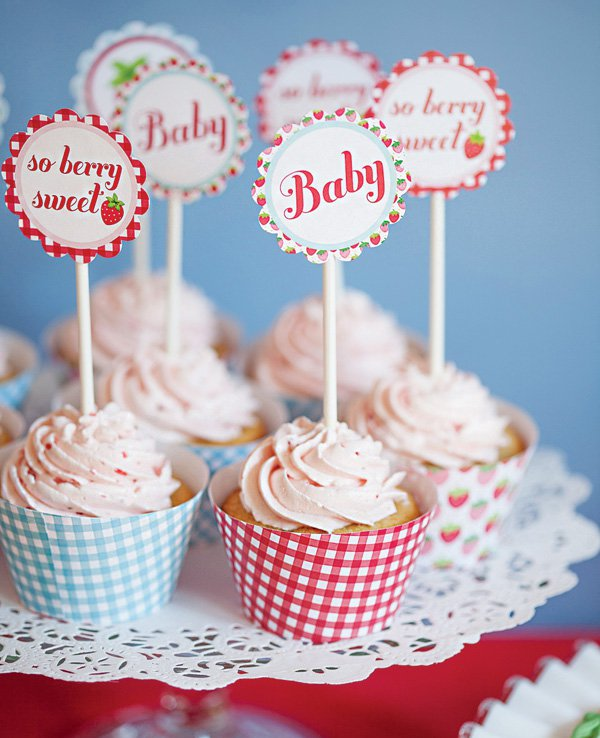 vintage-strawberry-cupcake-toppers