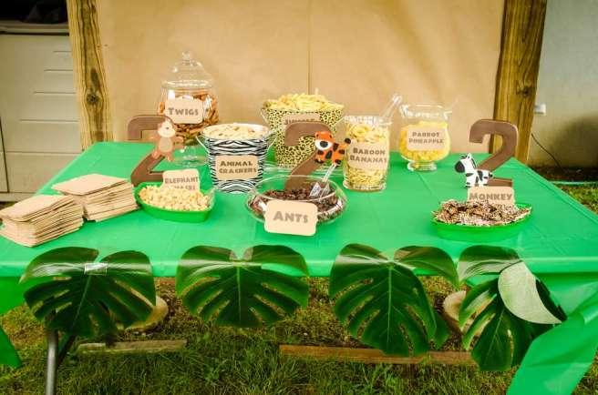 Safari party snack table