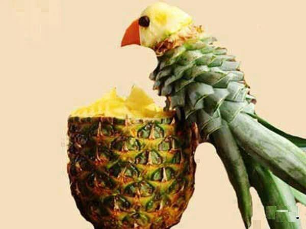 Fruit parrot display