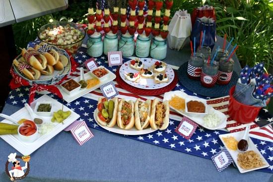 hot-dog-bar-ideas-for-summer-bbq